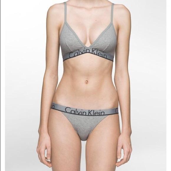 f500f2f6010 Calvin Klein Bra Panty Set - M - Gray